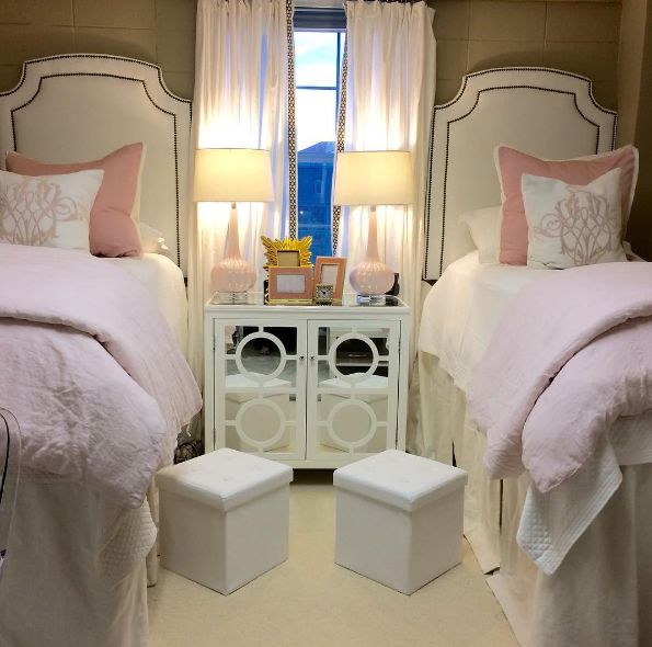 When two college roommates transformed their dorm room from drab to glam, they took the internet by storm.