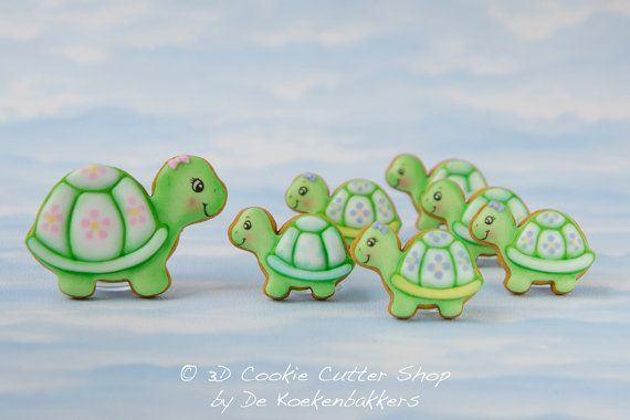 Set of two turtle cutters in different sizes. SIZE - small: 5,5 cm (wide) - medium: 8,5 cm. (wide) 1 cm. = 0,4 inch MATERIAL Our cookie