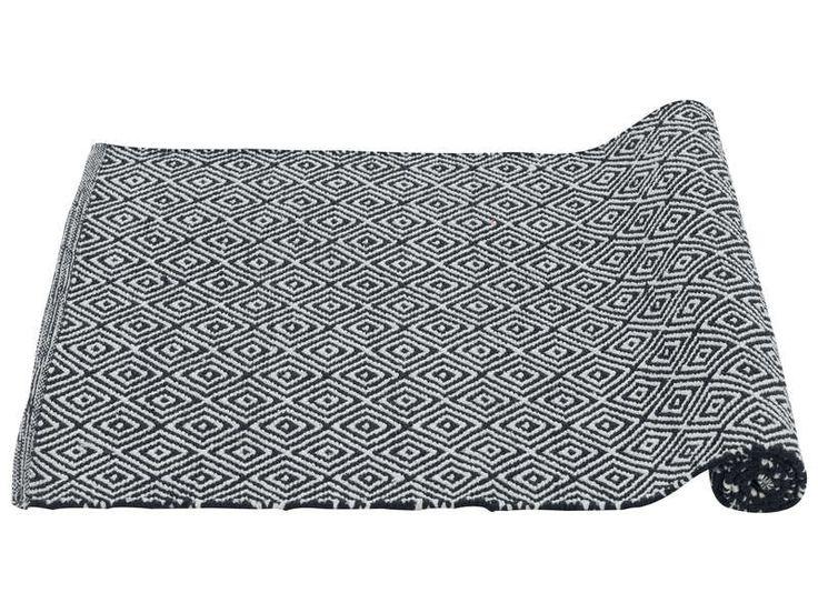 10 beste idee n over gevlochten tapijt les op pinterest gevlochten tapijt t shirt weven en t. Black Bedroom Furniture Sets. Home Design Ideas