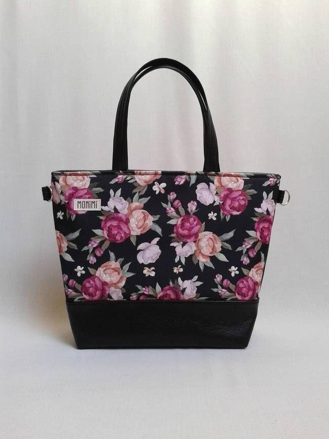 Gyönyörű angolrózsák díszítik ezt a táskát! Saját tervezésű minta, gyöngyvászon anyagra nyomva. A táska cipzárral záródik, ezért biztonságosan tudod a dolgaidat hordani utazáskor is. Kézi táska, de keresztben és vállon is lehet viselni. Base-bag női #táska