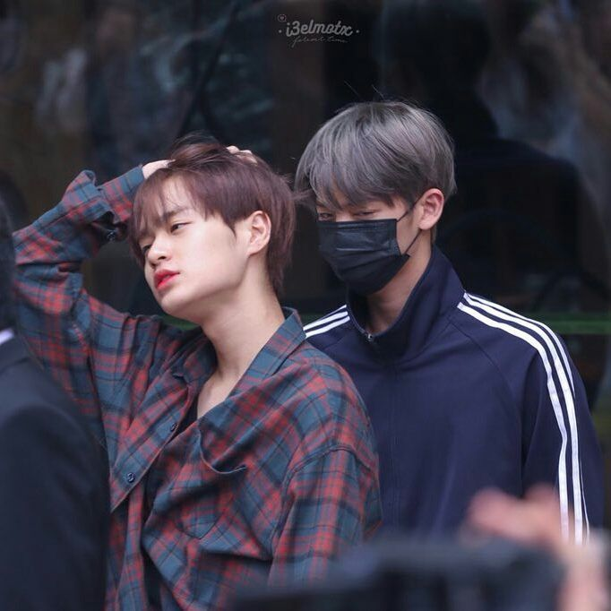 Daehwi: ugh its too early can we just go back to sleep hyung? Jinyoung: *not listening* *glaring at everyone who lays eyes on daehwi* bitch dont even think about it