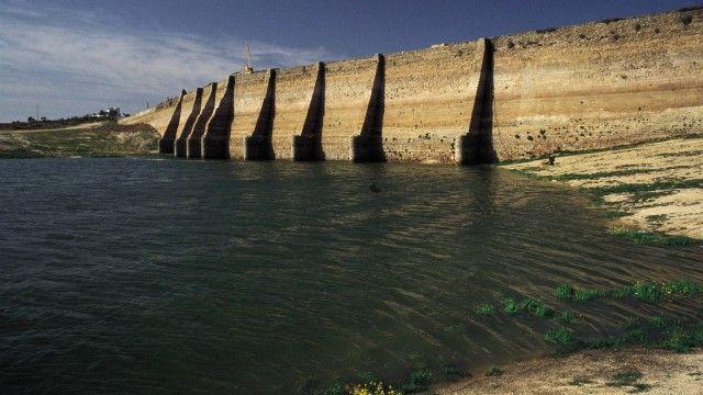 Proserpina¥s Roman Dam, Merida