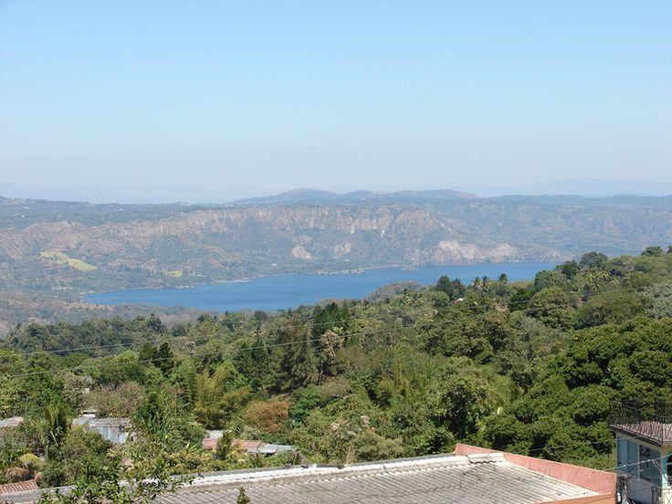 Mountain - photo from Lake Ilopango: Lake Ilopango, taken at 10:45am 19 Feb 2007 by Jorobeq (
