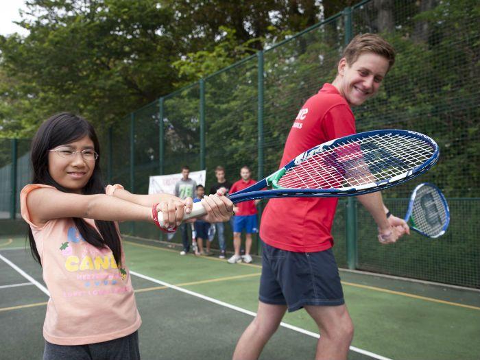 Tabara de limba engleza si TENIS in Anglia din vara 2017 ofera cursuri de engleza si antrenamente de tenis pentru copii coordonate de profesionisti.  Pentru detalii: 0736 913 866 office@mara-study.ro www.mara-study.ro