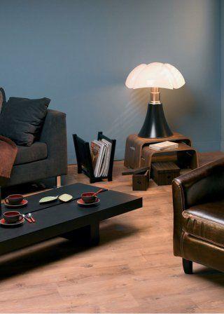 La lampe pipistrello, posée près du sol pour une jolie lumière d'ambiance - Marie Claire Maison