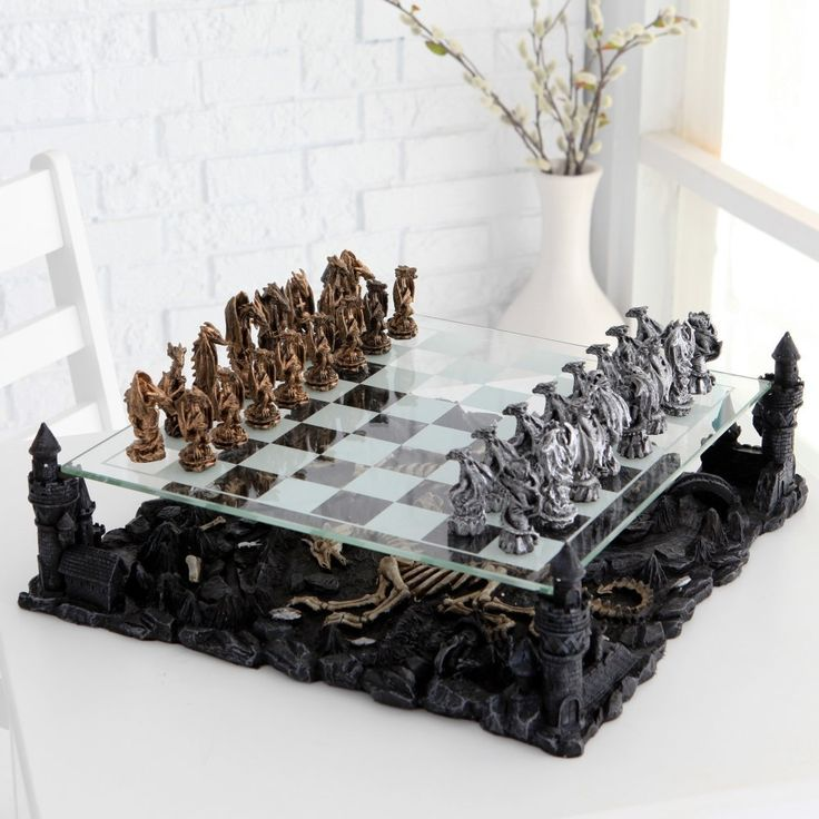 Dragon Chess Set    O.O SQUEEEEEEEEEEEEEEEEEEEEEEEEEEE!