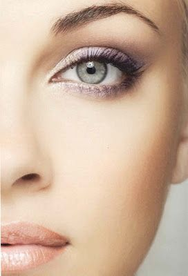 I'm loving the light purple tones here. Gorgeous for spring!