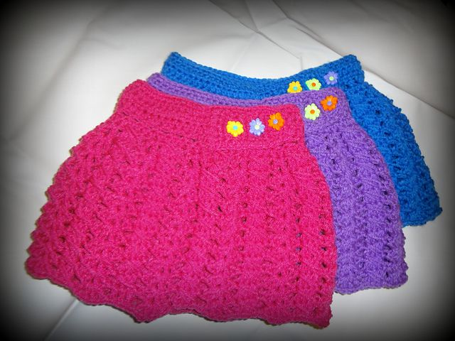 This little skirt will fit your princess lovely!Add some new style to a little's one wardrobe with these cute and colorful skirts. This Girls Simple Skirt by Jennifer Gregory is beautiful and very comfortable. With just minimum effort you can make a crochet skirt which is perfect for everyday wear as well as for different …
