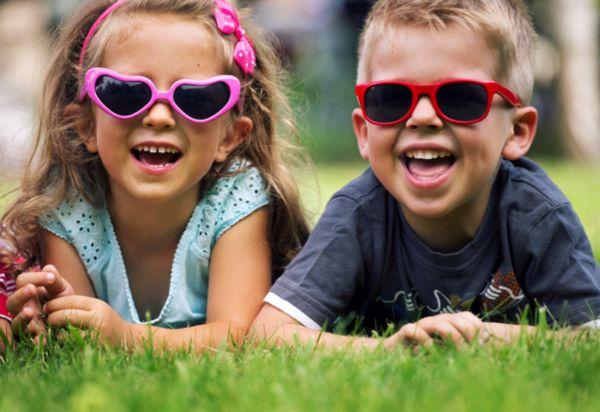 kindersonnenbrille-kinder-sonnenbrille-kinder-sonnenbrillen-designer-modelle-sonnenbrillen-2014-modische-brillen-
