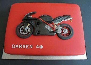 Trendige Motorradkuchen-Ideen für Männer 38 Ideen -> MOTORRÄDER – #cake #ideas #Me …   – Motorrader