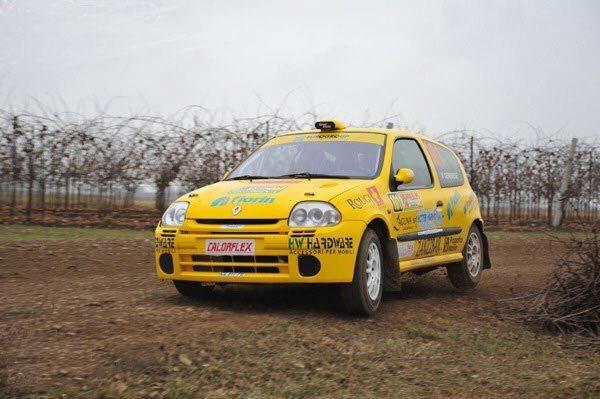 Ruote EVO Corse modello Sanremo TERRA misure  6x15 et 38,5 Mozzo Renault 4x100 produzione Italiana 100% Made in Italy. #evocorse #sanremocorse #terra #trt #raceday #wheels #white #rally #renaultsport #cliors