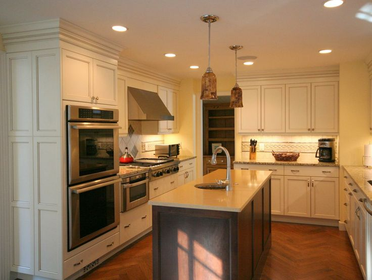 white kitchen cabinets or cream 1000 images about white kitchens ivory kitchens 28872