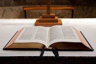Salmos - Bíblia Online: Salmos - Capítulo 141