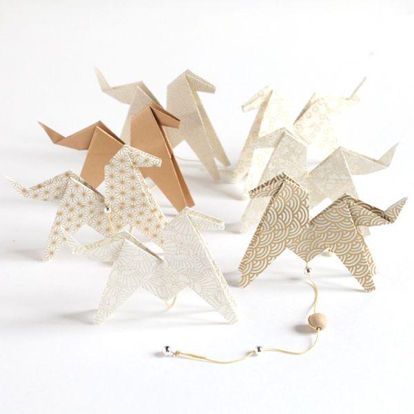 Kit guirlande de chevaux en origami - Adeline Klam