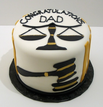 This would be a simple and cute law school graduation cake : )