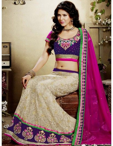Bharat plaza gives you a complete outlook on the latest bridal lehenga. Glamours Look Lehenga Choli. http://www.bharatplaza.com/women/lehengas.html