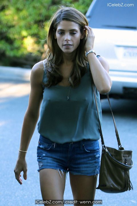Ashley Greene Shopping at Bristol Farms http://icelebz.com/events/ashley_greene_shopping_at_bristol_farms/photo1.html