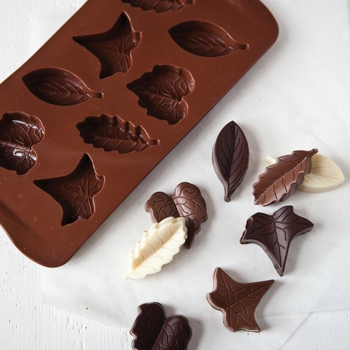 Cake Decorating Chocolate Leaves : GREAT idea for fall... chocolate leaf mold! Perfect for a ...