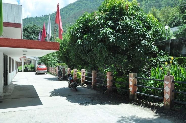Hotel Devlok, Srinagar Garhwal, Contact : 01346252237, email: hotel.devlok@rediffmail.com