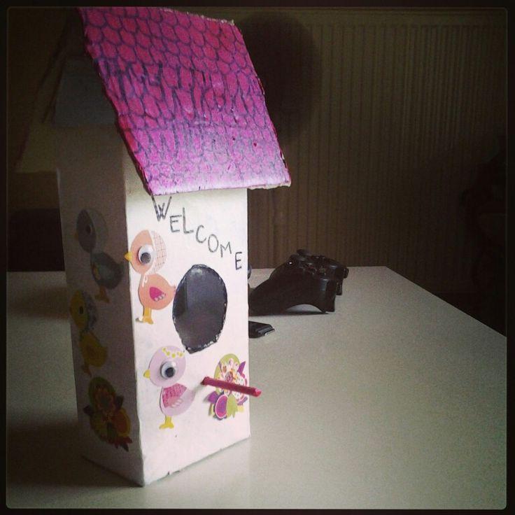 bird house fabriquer avec une brique de lait r cup brique de lait ou jus pinterest brique. Black Bedroom Furniture Sets. Home Design Ideas