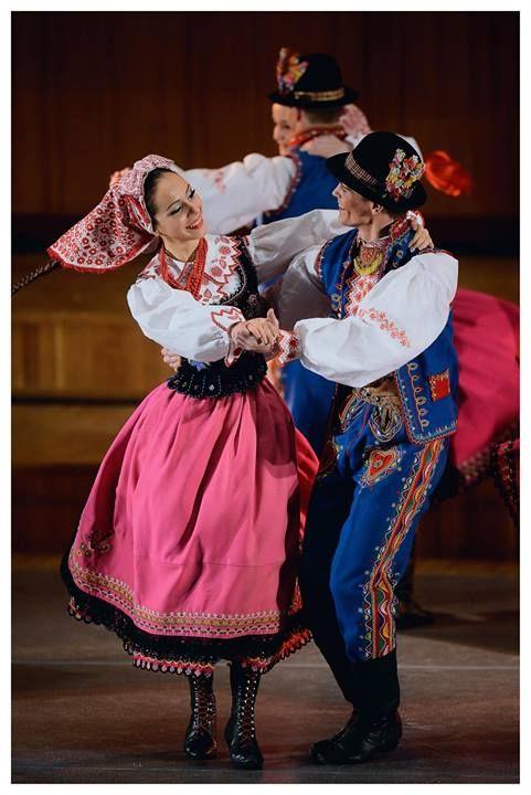 """Lachy Sądeckie folk costume - Zespół Pieśni i Tańca """"Śląsk"""", Poland"""