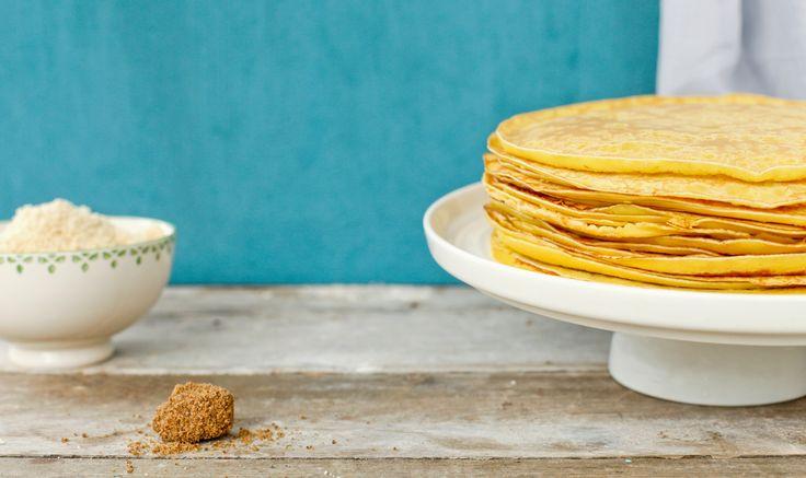 Met Maria Lichtmis, op een verjaardag of gewoon voor de fun...pannenkoeken, iedereen lust ze. Eenvoudig om te maken, maar hoe bak je ze nu? Stap voor stap uitgelegd... http://koken.vtm.be/sos-piet/recept/pannenkoeken
