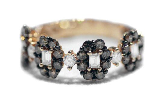 #Anello mezzo giro, oro rosa 18Kt, diamanti brown e centro #diamanti baguette.