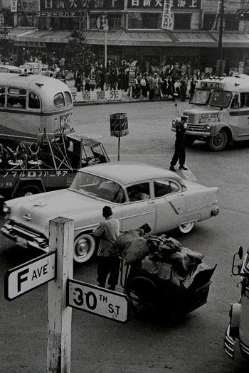 渋谷駅前の交差点 1956 東京                                                                                                                                                     もっと見る