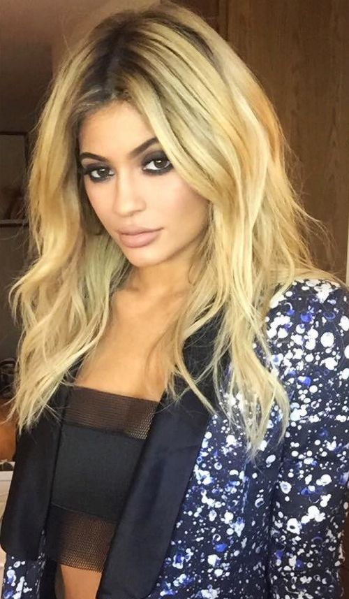 Kylie Jenner Blonde Hair With Dark Roots