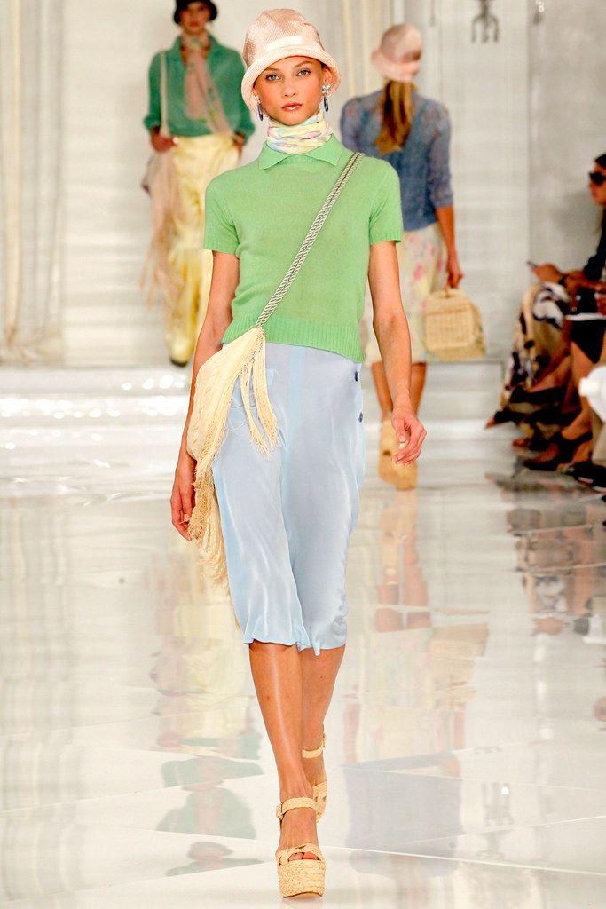 手机壳定制asics gel kayano walker womens walking shoe Ralph Lauren Spring   Ready to Wear Collection Photos  Vogue