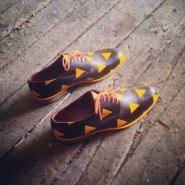12. Sunset fade #rokiwuz #customshoes #craftsmanship #madeinitaly #premiumleather #brogue #handmade #instafashion #handpainted #derbyshoes #mensstyle