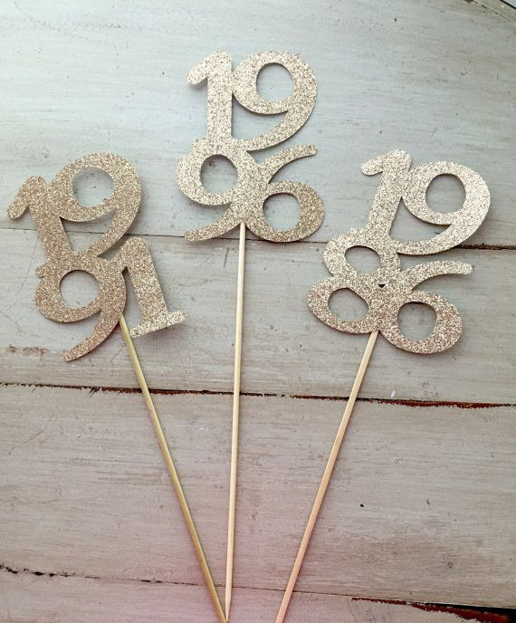 Celebrate your class reunion in style! These graduation year sticks are perfect…