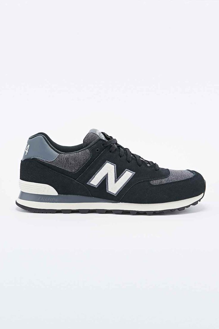 New Balance 574 Classic Running Trainers in Black