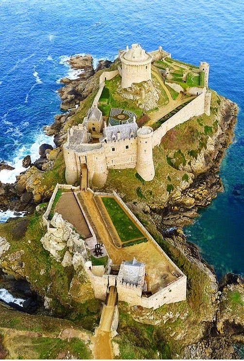 Fort-la-Latte, Bretagne, France. Le film Vikings avec Kirk Douglas et Tony Curtis y a été tourné en 1957.