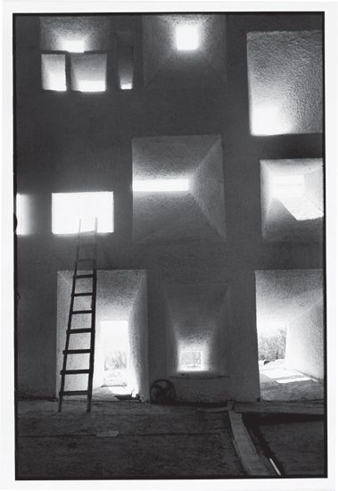le corbusier, shell of the notre dame du haut chapel (1955), ronchamp; photography rené burri