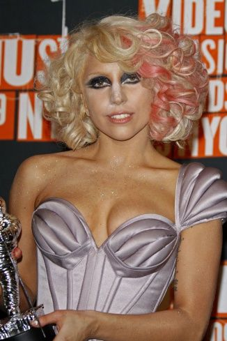 Lady Gaga Blonde Hair Color Wavy Hairstyles Pinterest