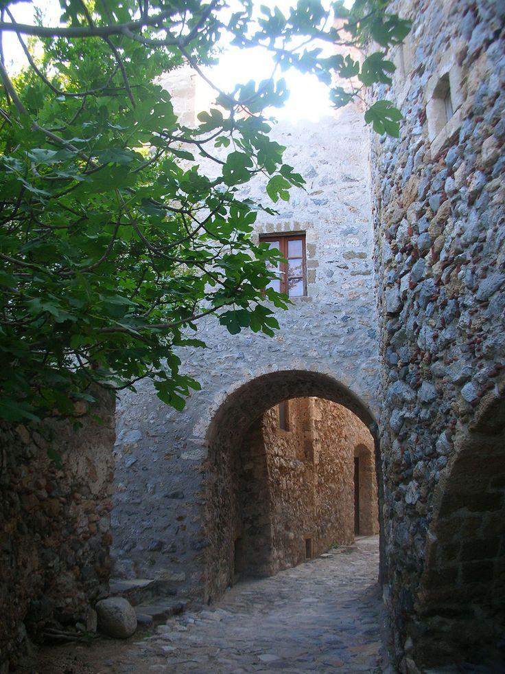 elladaa:  The secret paths of Monemvasia