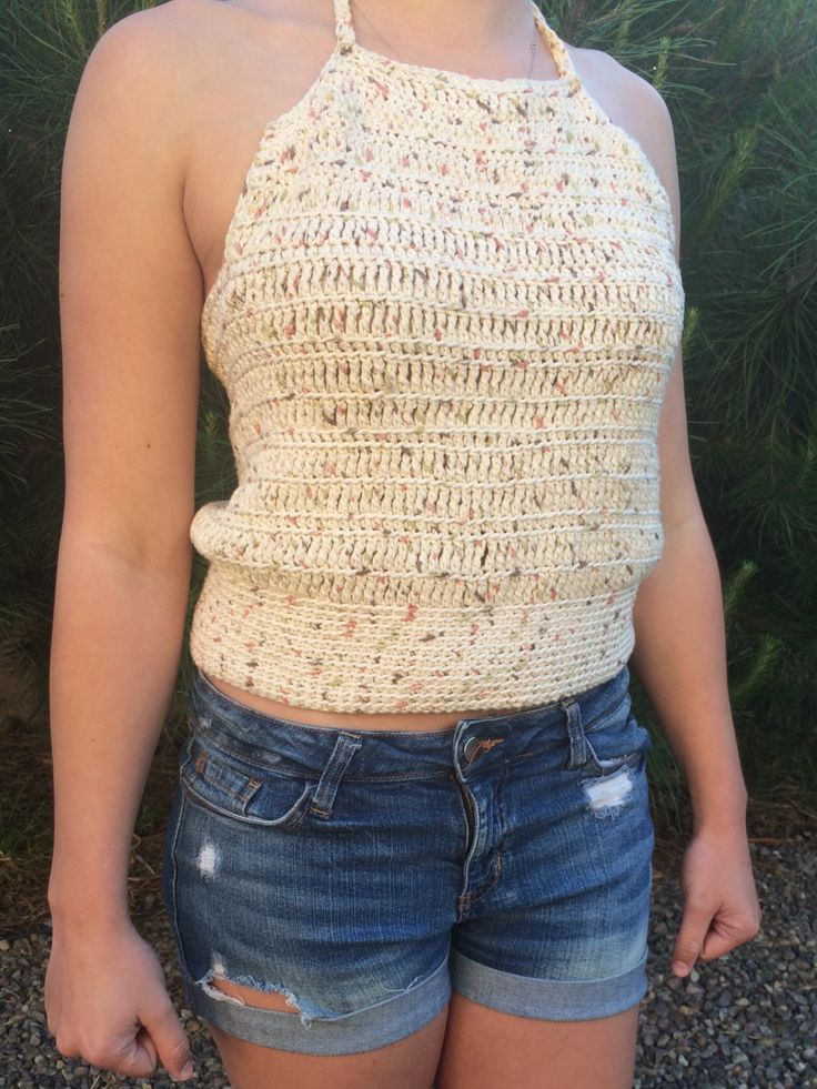 Simple Crochet Halter Top. Free Pattern and video tutorial!! https://medium.com/@QuinnNunes/crocheting-a-halter-top-8020ba57b817#.mpx5svswo