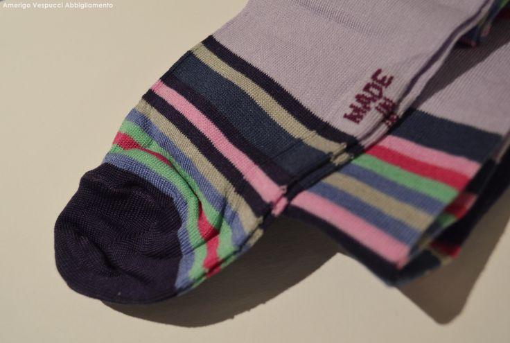 Tantissimi modelli di calze e calzini da uomo. #amerigovespucci #modena #abbigliamento