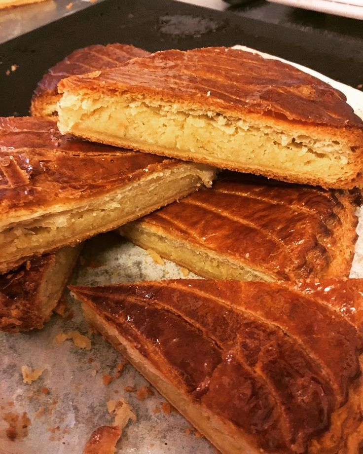 "382 Likes, 4 Comments - BROKEN BISCUITS  PATISSERIE (@broken_biscuits_paris) on Instagram: ""It's BAAAAACCCCKKK and flackier than ever!!! come grab your slice of galette des rois now while…"""