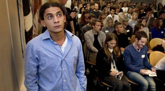 Debut. 18-årige Yahya Hassan har vakt opsigt med sin hudløse fortælling om livet i ghettoen i Aarhus med forældresvigt, vold og kriminalitet...