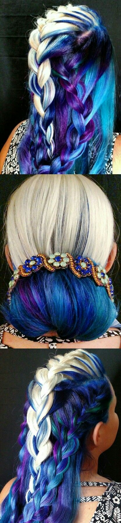 Blonde deep blue dyed hair @mvtoribriggs