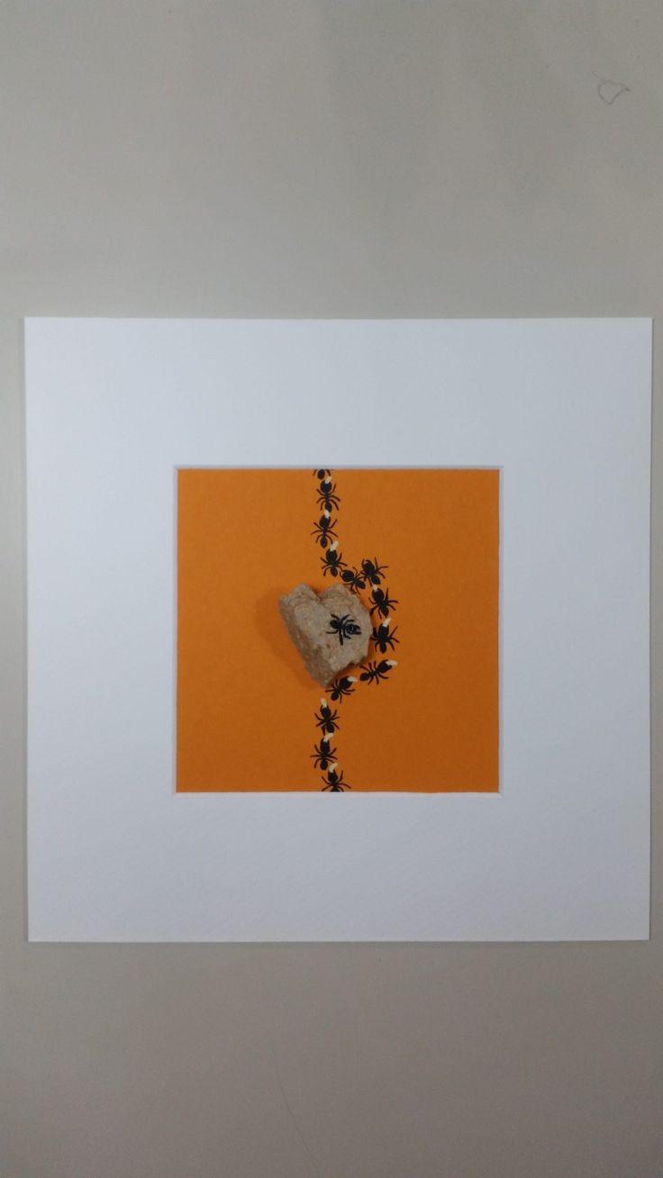 La formica roccia è un l'espressione di un idea. Qui la roccia influisce sul percorso delle formiche, ma non le devia dal loro obiettivo. La formica roccia dirige le operazioni dall'alto.   #acrilico #ant #art #arte #Artecontemporanea #artseller #artworks #beautiful #Colore #Coloreprimario #Concetto #dipinti #dipinto #diversità #diversity #drepar #Esperimento #felicità #formica #gallery #Idea #Insecta #Linguaggio #moderna #quadri #quadro #vendita