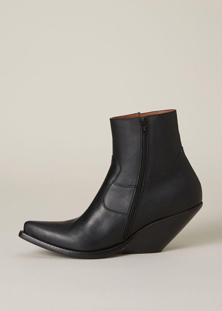 Vetements Angled Heel Boot (Black)