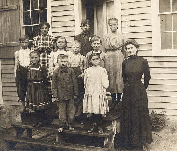 1908 photo of students and teacher from School District 89 in Millwood Township (Photo Courtesy of Stearns History Museum).