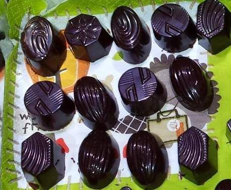 Recette Chocolats faits maison pr bonbons de fêtes... par emicuisine - recette de la catégorie Desserts & Confiseries