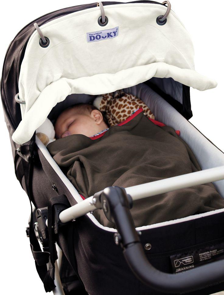 Dit dooky beschermt jouw kindje tegen de zon,de wind en de kou. ideaal in gebruik voor de kinderwagen,buggy en maxi cosie. Geen gedoe meer met wasknijpers en hydrofieldoeken.