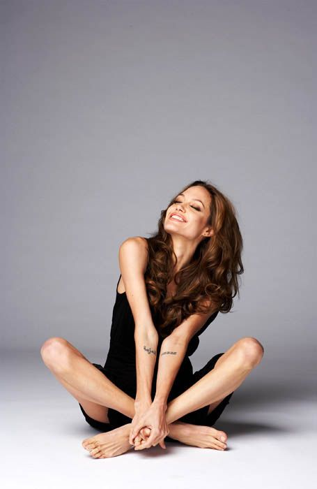 Someone's last description to this picture was so mean I had to post it to change that. Beautiful woman with a beautiful soul And if you Comment, Like, Re-Pin. Thank's! Repined by http://www.hollywoodobsessed.com/tag/angelina-jolie/