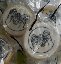 Specialty cookies for your corporate events or gift baskets. http://yummysweets.weebly.com