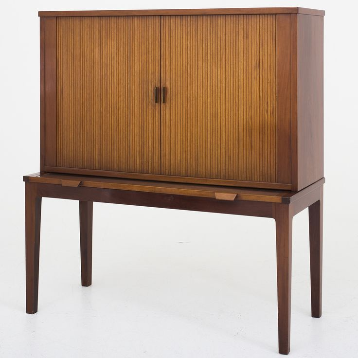 Bar cabinet in Cuban mahogany